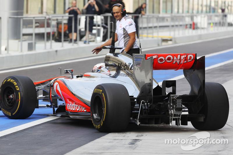 Gary Paffett, McLaren Test Driver rear diffuser detail