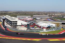 Nico Hulkenberg, Sahara Force India F1 leads Lewis Hamilton, McLaren