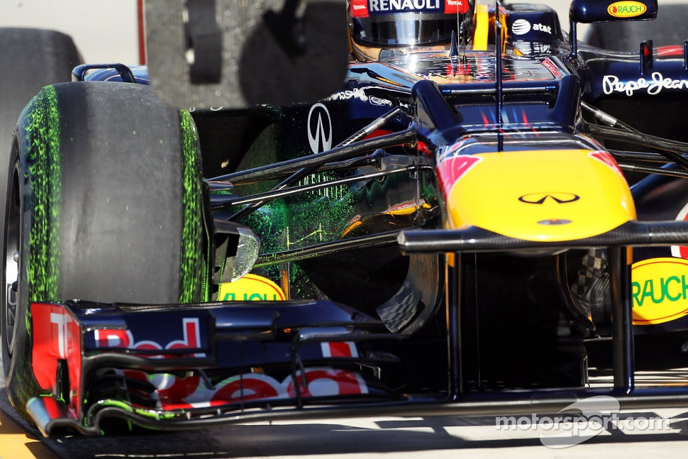 flow-vis paint on the Red Bull Racing of Sebastian Vettel