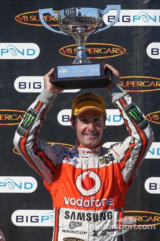 Race winner Jamie Whincup, Team Vodafone