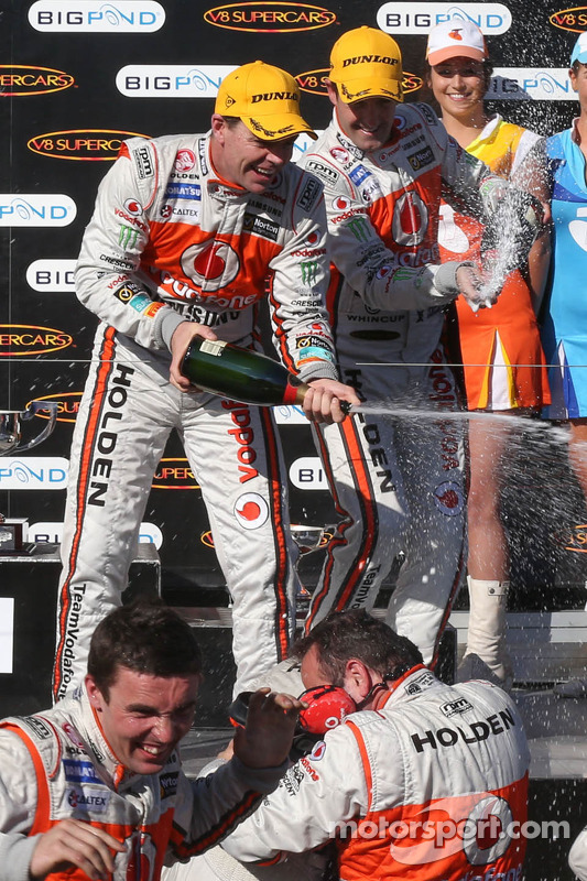 Podium: race winner Craig Lowndes, Team Vodafone, second place Jamie Whincup, Team Vodafone