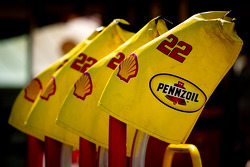 Refuel thanks for A.J. Allmendinger, Penske Racing Dodge