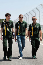 Vitaly Petrov, Caterham walks the circuit