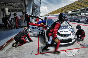 #33 Honda Jazz: Ken Yap, Chris Tan