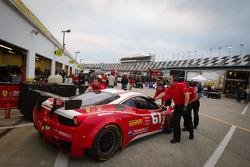 #61 R.Ferri/AIM Motorsport Racing with Ferrari Ferrari 458: Max Papis, Jeff Segal, Toni Vilander