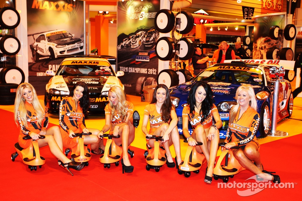 Maxxis Girls