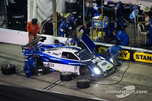 Pit stop for #60 Michael Shank Racing Ford Riley: Marcos Ambrose, John Pew, A.J. Allmendinger, Justin Wilson, Oswaldo Negri