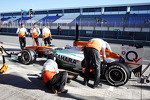 Paul di Resta, Sahara Force India in the pits