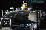 lewis-hamilton-mercedes-amg-f1-w04-16