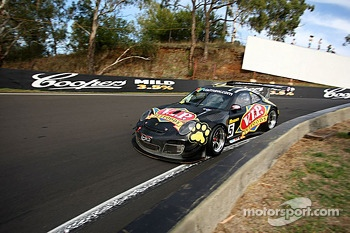 #5 VIP Petfoods Porsche GT3-R: Klark Quinn, Tony Quinn, Shane van Gisbergen