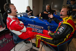 Kevin Harvick, Richard Childress Racing Chevrolet and Clint Bowyer, Michael Waltrip Racing Toyota