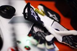 Alpinestars racing gloves for Adrian Sutil, Sahara Force India F1