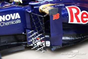 Scuderia Toro Rosso STR8 running sensor equipment