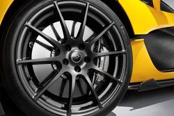 New McLaren P1 images