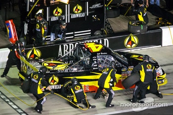 Pit stop for Jeb Burton