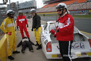 Track safety personnel from around the United States undergo safety training