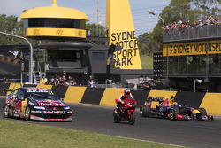 V8 Supercar vs motorcycle vs F1