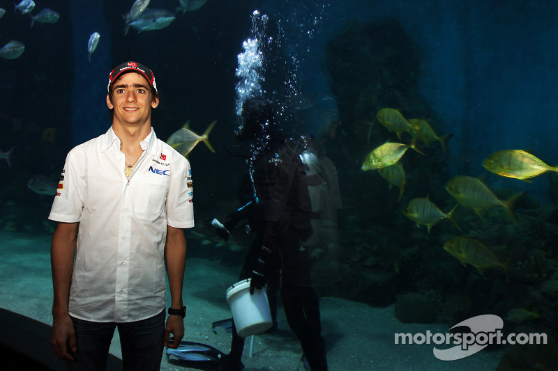 Esteban Gutierrez, Sauber at Melbourne Aquarium