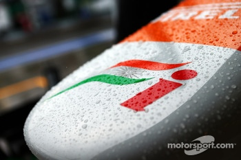 Sahara Force India F1 VJM06 nosecone covered in rain drops