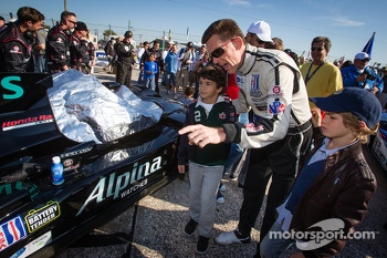 Scott Tucker with young fans