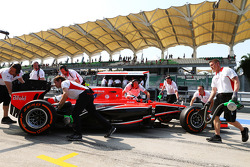 Jules Bianchi, Marussia F1 Team MR02 in the pits