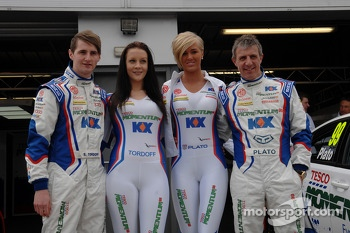 MG KX Momentum Racing drivers Jason Plato and Sam Tordoff