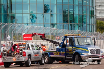 Crash of EJ Viso, Team Venezuela / Andretti Autosport / HVM Chevrolet