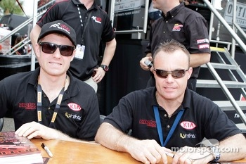 Mark Wilkins and Nic Jonsson, Kinetic Kia Motors Kia Optima