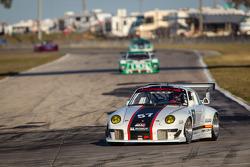 #57 1997 Porsche 993: Eric Johnson