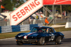 #63 1963 Chevrolet Corvette: Garrett Waddell, Ted Filer
