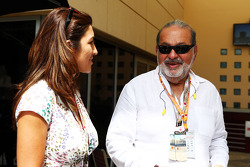 F1: Fabiana Flosi, with Carlos Slim Sr, Telmex and America Movil Chairman and Chief Executive