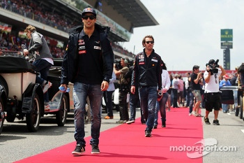 Daniel Ricciardo, Scuderia Toro Rosso on the drivers parade