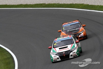 Tiago Monteiro, Honda Civic Super 2000 TC, Honda Racing Team Jas and Norbert Michelisz, Honda Civic, Zengo Motorsport