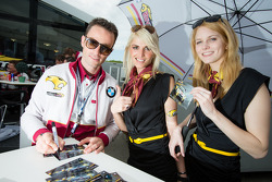 Andrea Piccini with Marc VDS Racing girls