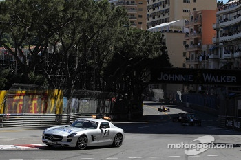 Nico Rosberg, Mercedes AMG F1 W04 leads behind the FIA Safety Car