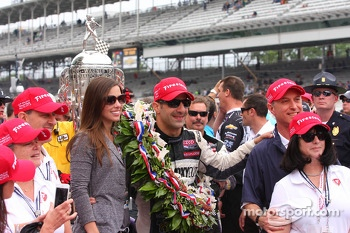 Race winner Tony Kanaan celebrates