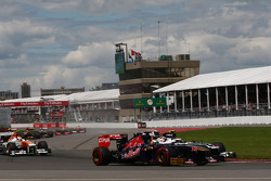 Valtteri Bottas, Williams FW35 and Jean-Eric Vergne, Scuderia Toro Rosso STR8