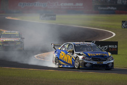 Trouble for Lee Holdsworth, Erebus Motorsport