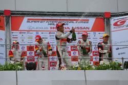 GT300 podium: winner Shinichi Takagi, Takashi Kobayashi