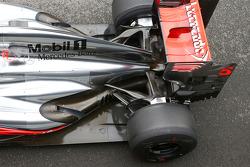 Jenson Button, McLaren MP4-28 rear suspension detail