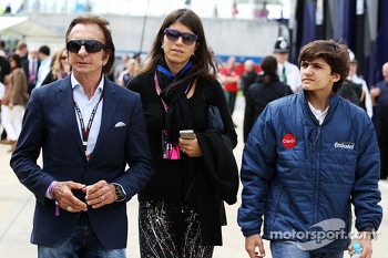 Emerson Fittipaldi, with family
