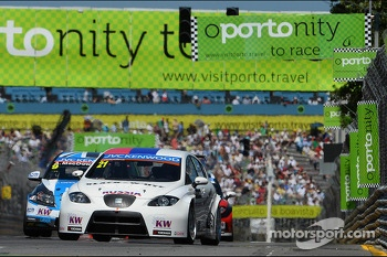 Nikolay Karamyshev, Seat Leon WTCC, Campos Racing and Alex MacDowall, Chevrolet Cruze 1.6T, bamboo-engineering