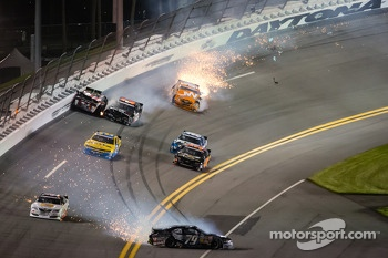 Travis Pastrana crashes with Jason White, Robert Richardson and Jamie Dick while Jeffrey Earnhardt spins