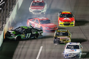 Denny Hamlin, Joe Gibbs Racing Toyota and Matt Kenseth, Joe Gibbs Racing Toyota crash