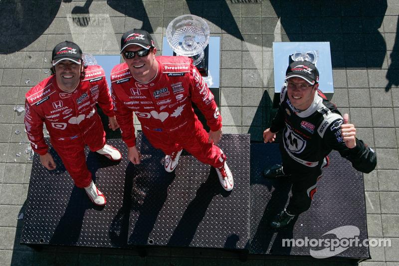 Scott Dixon, Target Chip Ganassi Racing Honda, Sébastien Bourdais, Dragon Racing Chevrolet and Dario Franchitti, Target Chip Ganassi Racing Honda