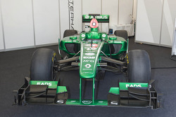Caterham Renault CT03