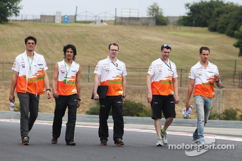 Adrian Sutil, Sahara Force India F1 walks the circuit