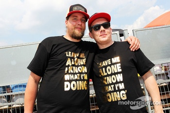 Kimi Raikkonen, Lotus F1 Team fans with 'Leave Me Alone - I Know What I am Doing' T-Shirts
