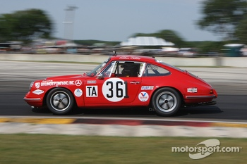 #361 1965 Porsche 911: Jerry Peters