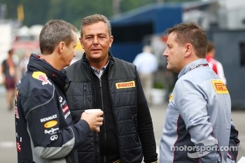 Mario Isola, Pirelli Racing Manager, with Paul Hembery, Pirelli Motorsport Director